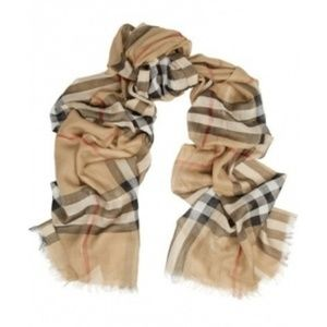 Burberry scarf plaid